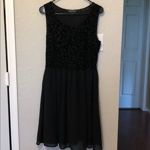 🖤🖤LBD🖤🖤 with leopard detail